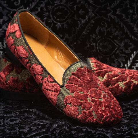 pantofola rosso scuro con ricami nicolao atelier